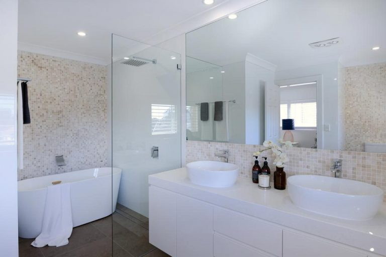 A second bathroom in the Chatswood residence renovated by Diamond and Lambert Builders.